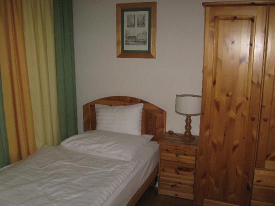 Hotel Caroline: single room
