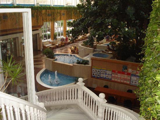 Playacapricho Hotel: Una entrada de lujo