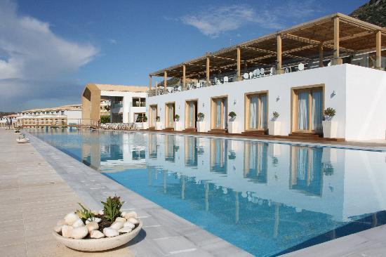 Mitsis Blue Domes Resort & Spa: View from main bar