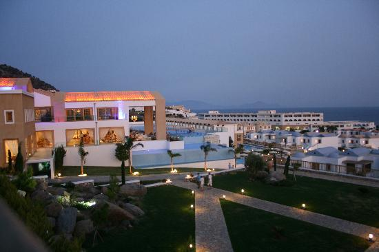 Mitsis Blue Domes Resort & Spa: View at night