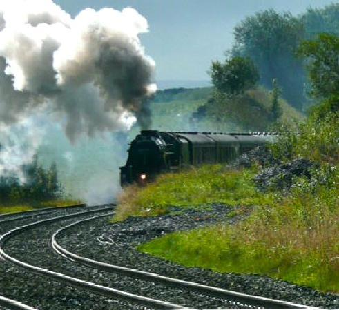 The Willows Bed & Breakfast: 'The Fellsman' Steam train coming through Horton Station