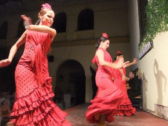Tablao Flamenco Cardenal: Dancers