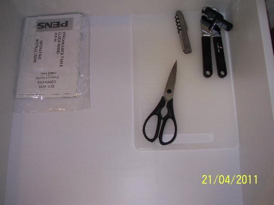 โรงแรมเฟรเซอร์ เพลส กัวลาลัมเปอร์: for cutting and opening-stuffs