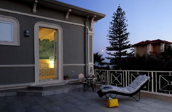 La Villa del Mare: Superior Terrace Room