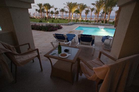 Rixos Sharm El Sheikh: Terrasse de Suite avec piscine