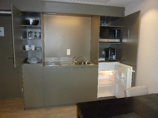 Aparthotel Castelnou: Kitchenette