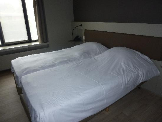 Aparthotel Castelnou: Bedroom