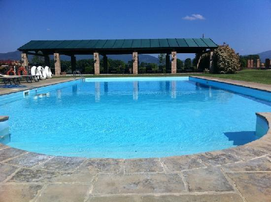 Tenuta Brancoleta: The pool