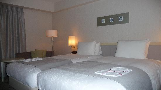 Richmond Hotel Narita: Lit comfortable et Yukuta (pyjama bienvenue au Japon)