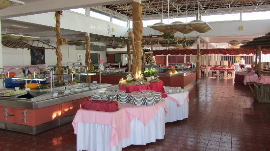 Valamar Girandella Resort: restaurant