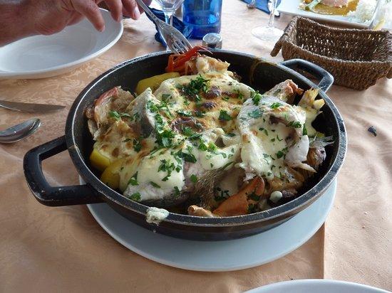 Restaurante Beach Cocktail Bar Cana Sofia: Ibiza Bullit (for 2) - Fish stew with garlic potatoes
