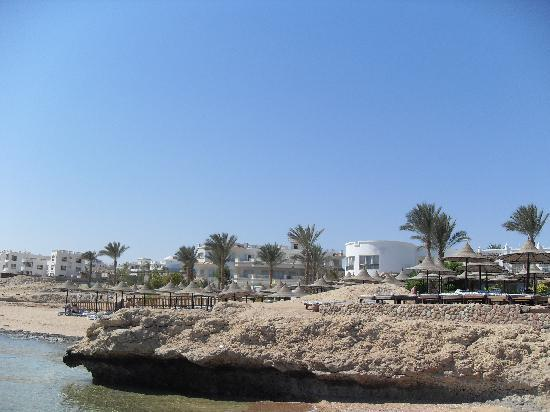 Tiran Island Hotel: Beach
