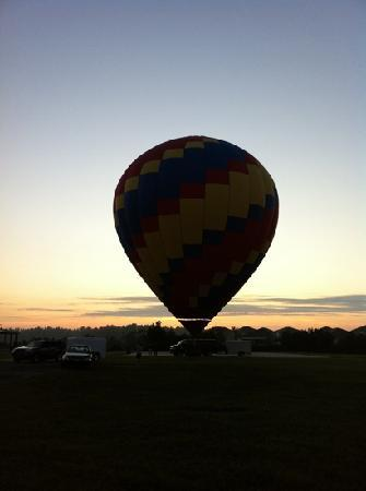 Balloons and Beyond: sunrise Flights