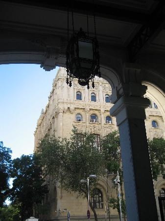 CentroCentro Cibeles: from one gate