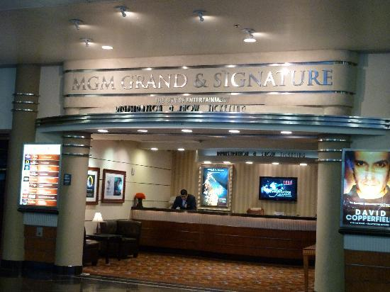 Signature at MGM Grand: Check-in at airport, very convenient!