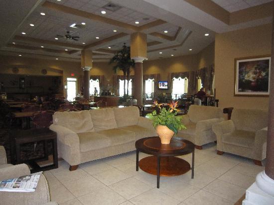 Hawthorn Suites by Wyndham Orlando Lake Buena Vista: lounge