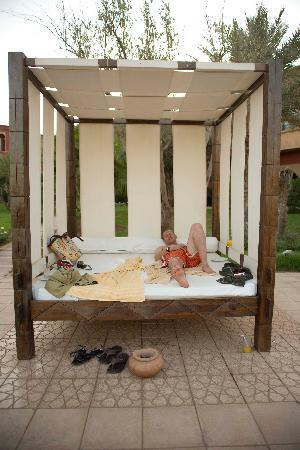Eden Andalou Hotel Aquapark & Spa: Free day beds by the pool - lovely!