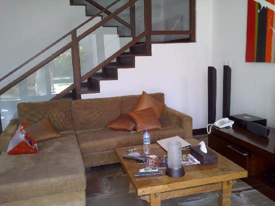 โรงแรมดาโนยา วิลล่า: living room ground flr