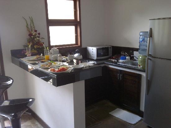 โรงแรมดาโนยา วิลล่า: personal kitchen