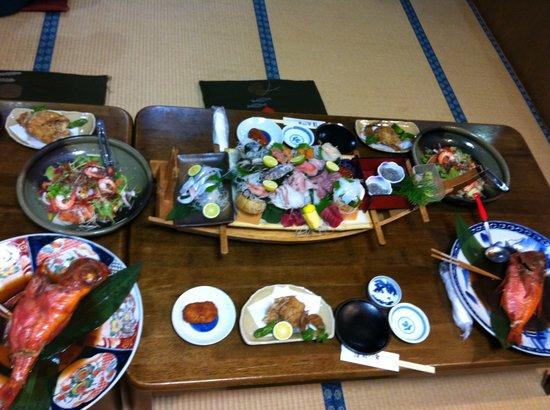 Akinaiya: 夕食※5人前です