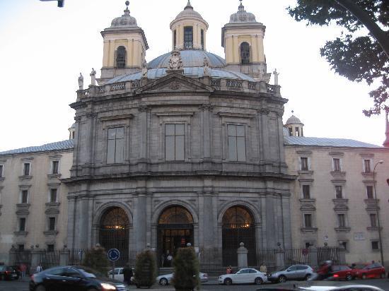 Real Basilica de San Francisco el Grande: facade