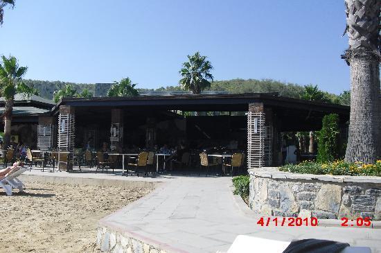 Crystal Green Bay Resort Spa: Beach Bar