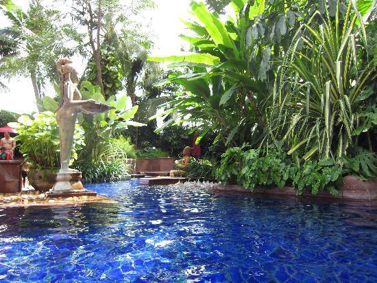 โรงแรมเชอราตัน แกรนด์ สุขุมวิท: Pool