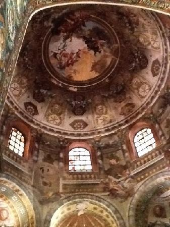 Basilica San Vitale: dome