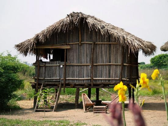 Barbara's Highlife Village: Nzulezu stillt house from raffia