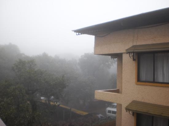 โรงแรมสะเกตพลาซา: view from balcony