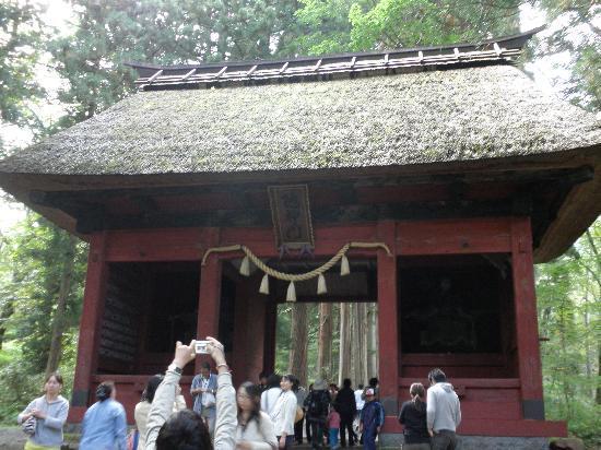 Togakushi Shrine Okusha: 途中の赤門
