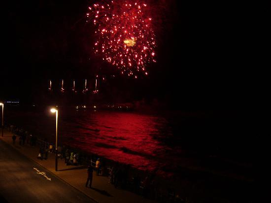 De-Lovely: firework display on the promenade