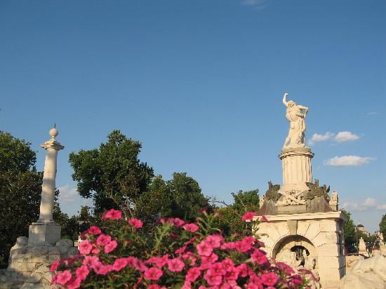 Royal Palace of Aranjuez: Fuente elegante