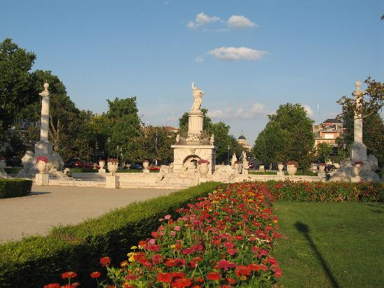 Royal Palace of Aranjuez: parterre gardens.