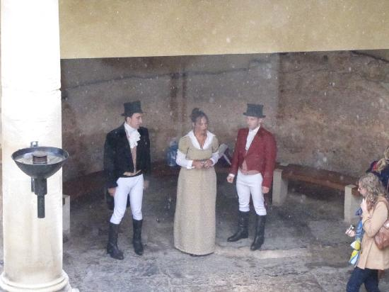 พิพิธภัณฑ์โรงอาบน้ำโรมัน: in costumes at the Roman Baths