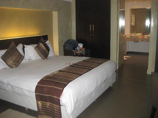 โฮเต็ล เคนซิ คลับ แอกดัล เมดิน่า: Our Suite with king size bed