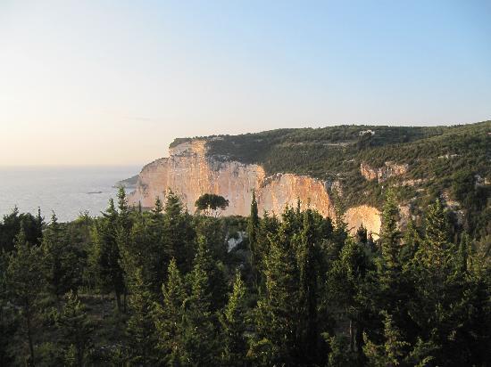Erimitis Bar and Restaurant: The Cliffs opposite