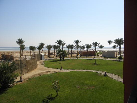 Magic Tulip Beach Resort: la spiaggia vista dalla camera