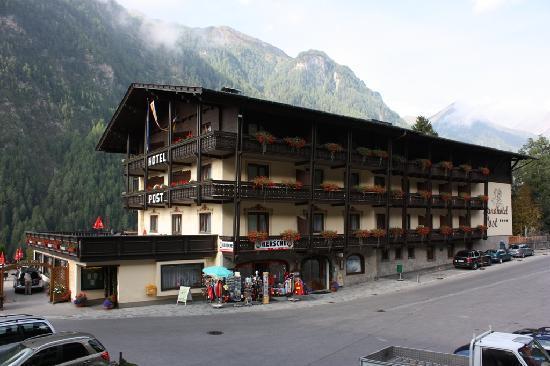 Landhotel Post Heiligenblut : Hotel Post, Heiligenblut.