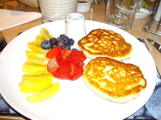 Quince Cottage: Delicious pancakes!