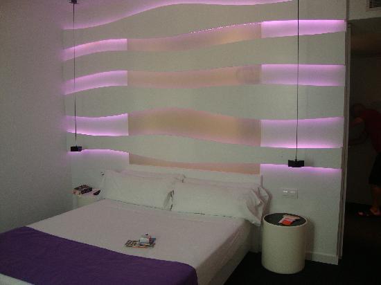 โรงแรมรูมเมท เอ็มมา: the bedroom