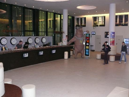 PLUS Berlin: reception