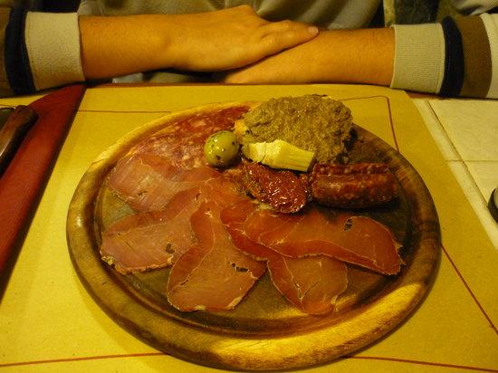 Palle d'Oro : Antipasto di terra a base di carne di cinghiale