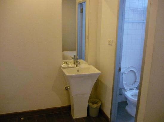 มายโฮเทล ประตูน้ำ: トイレ
