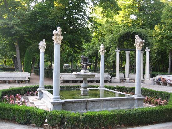 Royal Palace of Aranjuez : hermosa fuente