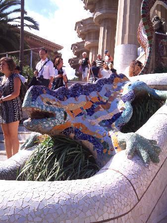 กูเอลปาร์ค: the beautiful mosaic