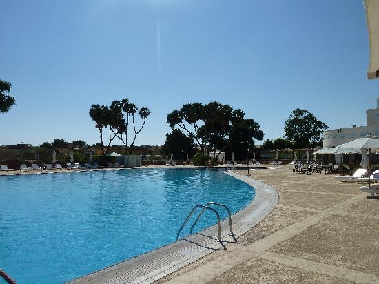 โมเวนพิค รีสอร์ท อัสวาน: la piscine