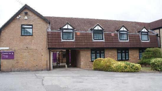 Premier Inn Nottingham North West (Hucknall) Hotel: The Side