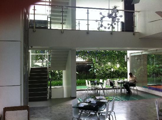 เพอร์เพิล โลตัส: Breakfast Area