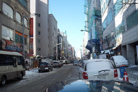 โรงแรมอินชอนแอร์พอร์ต จูเน่: outside street